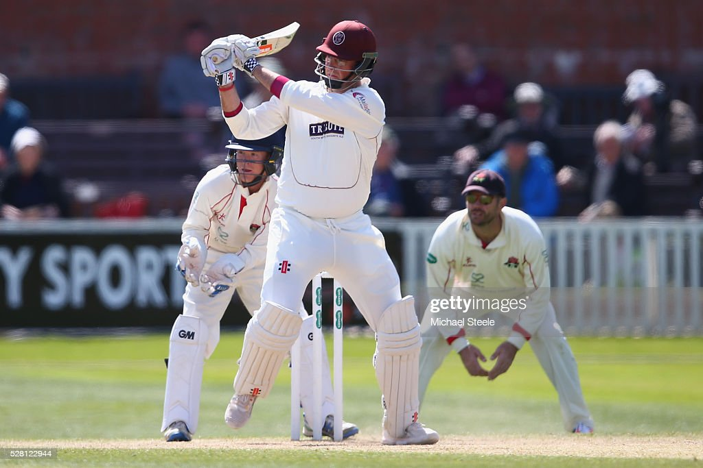 <a gi-track='captionPersonalityLinkClicked' href=/galleries/search?phrase=Marcus+Trescothick&family=editorial&specificpeople=171643 ng-click='$event.stopPropagation()'>Marcus Trescothick</a> of Somerset pulls a delivery off the bowling of Simon Kerrigan of Lancashire during day four of the Specsavers County Championship Division One match between Somerset and Lancashire at The Cooper Associates County Ground on May 4, 2016 in Somerset, United Kingdom.