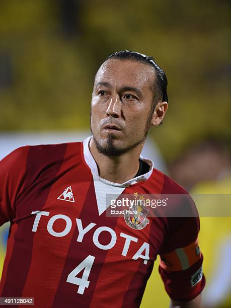 Marcus Tulio Tanaka of Nagoya Grampus looks on prior to the JLeague match between Kashiwa Reysol and Nagoya Grampus at Hitachi Kashiwa Stadium on...