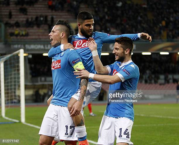 Marek Hamsik Dries Mertens and Lorenzo Insigne of Napoli celebrate a goal 10 scored by Marek Hamsik during the UEFA Europa League Round of 32 second...