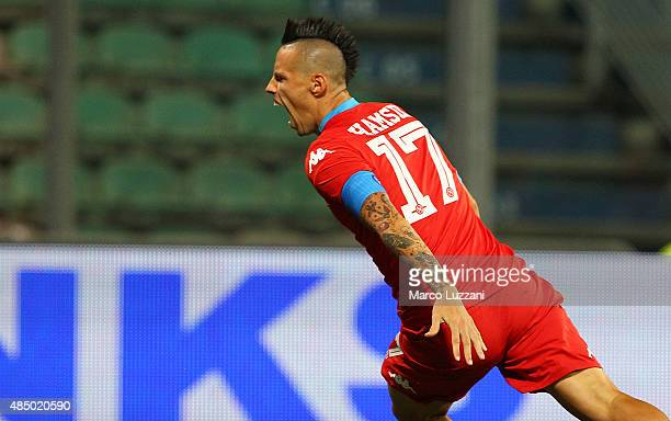 Marek Hamsik of SSC Napoli celebrates after scoring the opening goal during the Serie A match between US Sassuolo Calcio and SSC Napoli at Mapei...