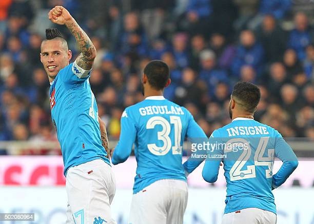 Marek Hamsik of SSC Napoli celebrates after scoring the opening goal during the Serie A match between Atalanta BC and SSC Napoli at Stadio Atleti...