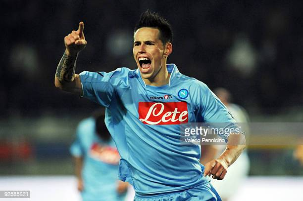 Marek Hamsik of SSC Napoli celebrates his second goal during the Serie A match between Juventus FC and SSC Napoli at Olimpico Stadium on October 31...