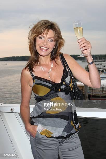 Maren Gilzer Bei Der Abendgala Zum Bmw Sailing Cup Auf Der 'Ms La Paloma' Auf Dem Wannsee Bei Berlin