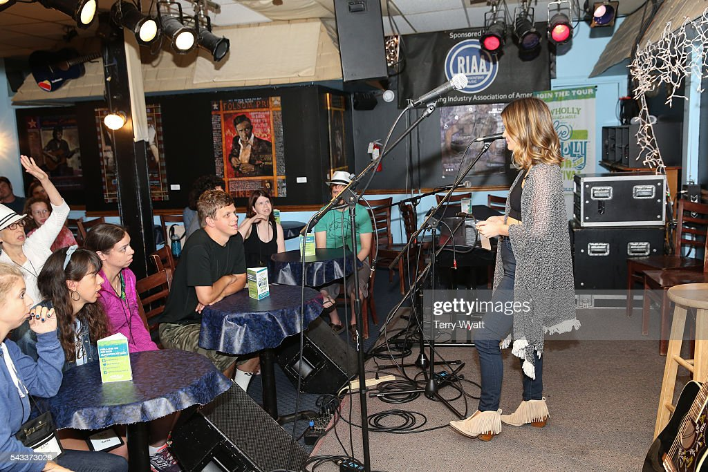 <a gi-track='captionPersonalityLinkClicked' href=/galleries/search?phrase=Maren+Morris&family=editorial&specificpeople=9481209 ng-click='$event.stopPropagation()'>Maren Morris</a> performs for campers during the ACM Lifting Lives Music Camp at the Bluebird Cafe With on June 27, 2016 in Nashville, Tennessee.