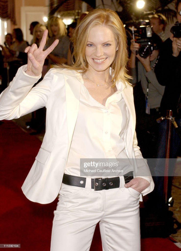 InStyle Sneak Peek at Red Carpet Fashion for the 2003 Awards Season
