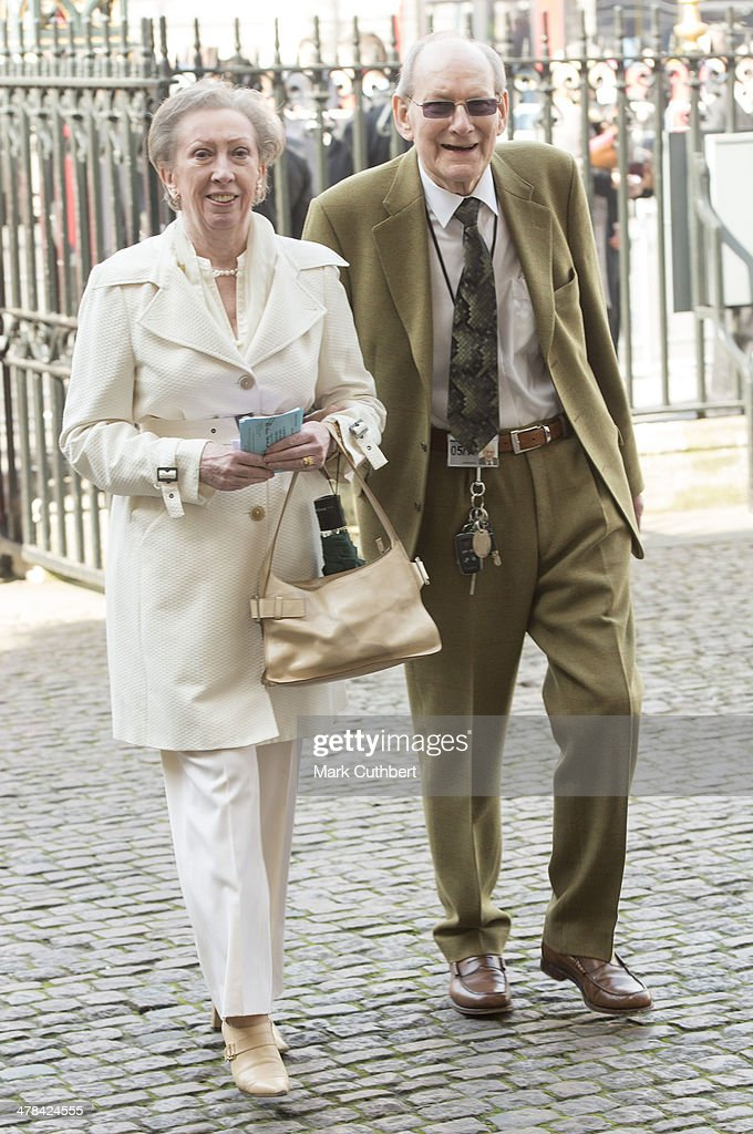 <a gi-track='captionPersonalityLinkClicked' href=/galleries/search?phrase=Margaret+Beckett&family=editorial&specificpeople=159673 ng-click='$event.stopPropagation()'>Margaret Beckett</a> and Lionel Beckett attend a memorial service for Sir David Frost at Westminster Abbey on March 13, 2014 in London, England.