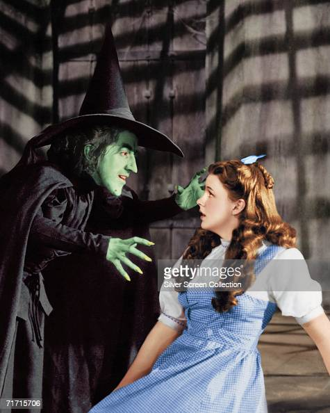Margaret Hamilton as the Wicked Witch and Judy Garland as Dorothy Gale in 'The Wizard of Oz' 1939