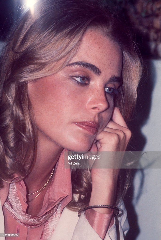 <a gi-track='captionPersonalityLinkClicked' href=/galleries/search?phrase=Margaux+Hemingway&family=editorial&specificpeople=218193 ng-click='$event.stopPropagation()'>Margaux Hemingway</a> close-up; circa 1970; New York.