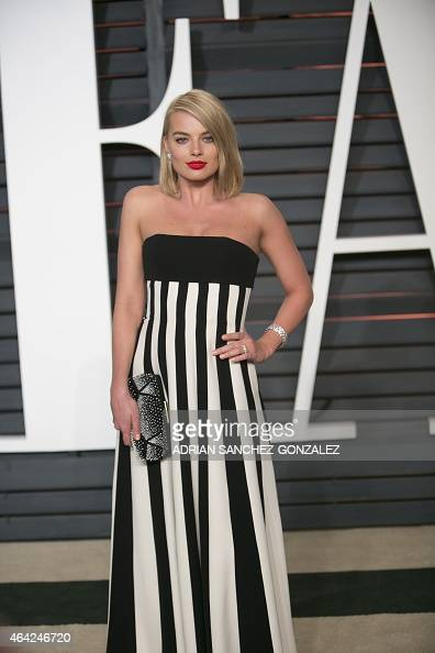 Margot Robbie arrives to the 2015 Vanity Fair Oscar Party February 22 2015 in Beverly Hills California AFP PHOTO/ADRIAN SANCHEZGONZALEZ