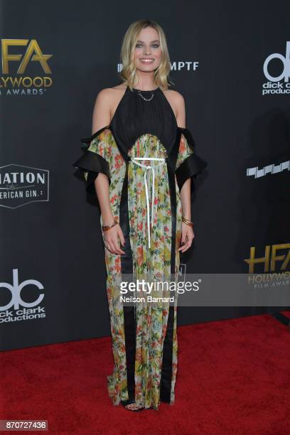 Margot Robbie attends the 21st Annual Hollywood Film Awards at The Beverly Hilton Hotel on November 5 2017 in Beverly Hills California