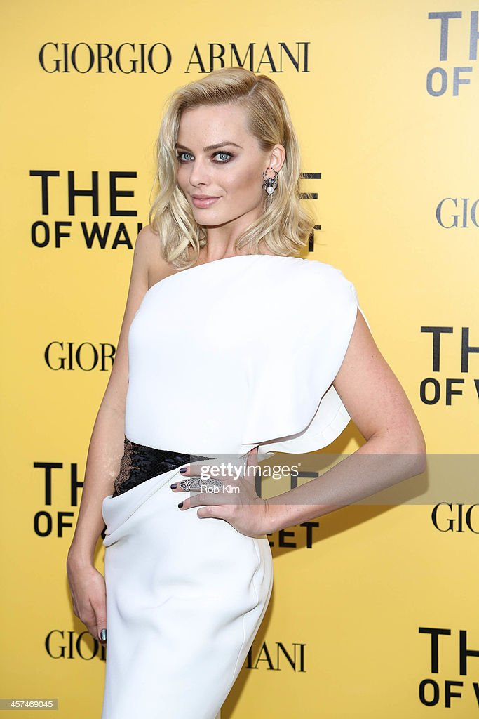 Margot Robbie attends the 'The Wolf Of Wall Street' premiere at Ziegfeld Theater on December 17, 2013 in New York City.