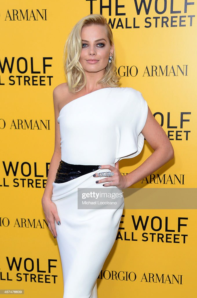 Margot Robbie attends the 'The Wolf Of Wall Street' premiere at the Ziegfeld Theatre on December 17, 2013 in New York City.