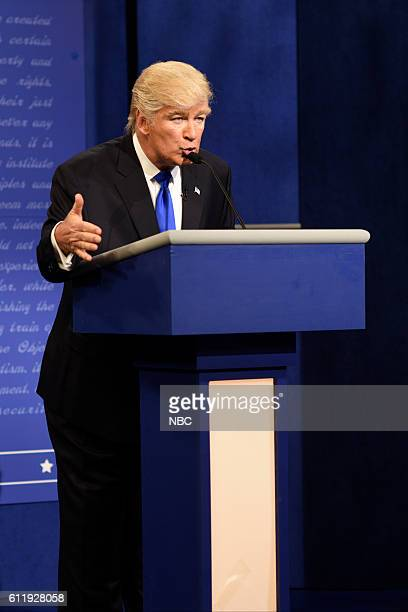 LIVE 'Margot Robbie' Episode 1705 Pictured Alec Baldwin as Republican Presidential Candidate Donald Trump during the 'Debate Cold Open' sketch on...