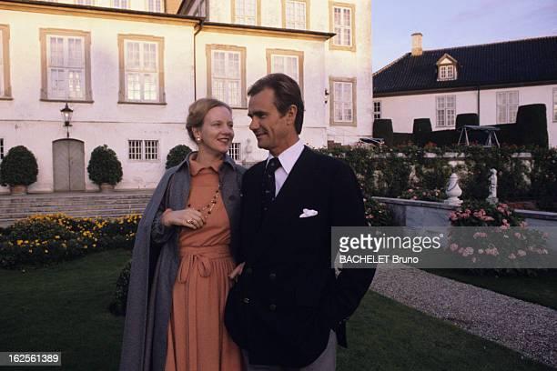 Margrethe And Henrik Of Denmark At Fredensborg Castle Au Danemark au château de Fredensborg en octobre 1978 la Reine Margrethe II DE DANEMARK et son...