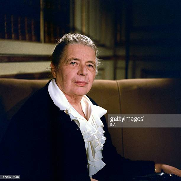 Marguerite Yourcenar during an interview on its work ''The work to the black'' in the program ''Clio and his''