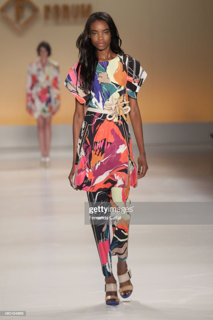 <a gi-track='captionPersonalityLinkClicked' href=/galleries/search?phrase=Maria+Borges+-+Model&family=editorial&specificpeople=10135847 ng-click='$event.stopPropagation()'>Maria Borges</a> walks the runway during the Forum show at Sao Paulo Fashion Week Summer 2014/2015 at Parque Candido Portinari on April 3, 2014 in Sao Paulo, Brazil.