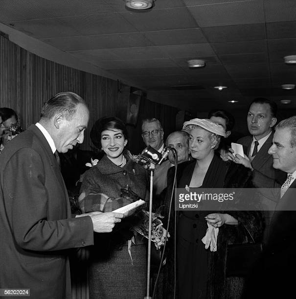 Maria Callas and Regine Crespin at Orly welcomed by Pierre Bourgeois chairman and managing director of PatheMarconi Between them Jacques Feschotte...