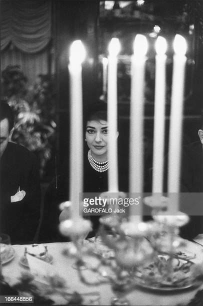 Dinner At Maxim'S Fuyant Rome et le scandale après la représentation de 'Norma' qu'elle dut interrompre à l'issue du premier acte Maria CALLAS fait...
