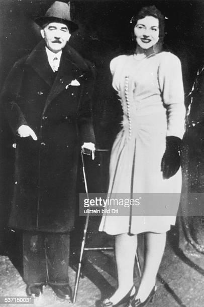 Maria Callas Sängerin Sopran USA / Griechenland mit ihrem Vater Georg Kalogeropoulos in New York 1946