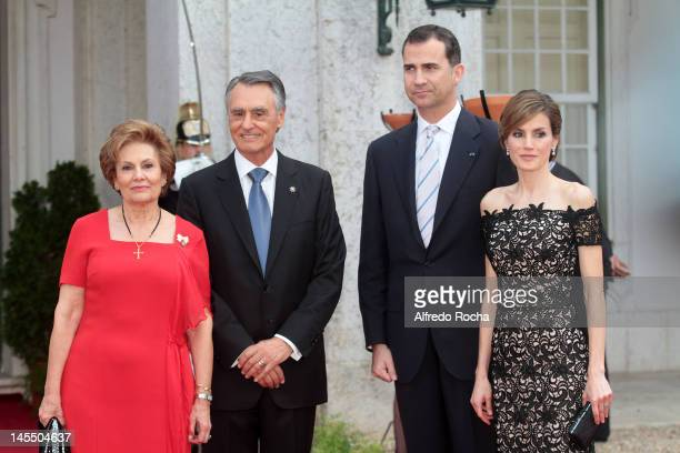 Maria Cavaco Silva Anibal Cavaco Silva Prince Felipe of Spain and Princess Letizia of Spain at Queluz Palace during the Spanish Royals visit to...