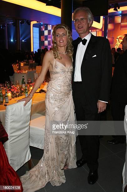 Maria Furtwängler Und Harald Schmidt Bei Der Party Nach Der 58 Bambi Verleihung In Der Mercedes Benz Welt In Stuttgart