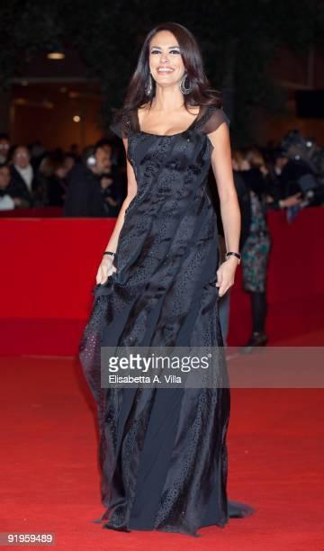 Maria Grazia Cucinotta attends the ''Viola Di Mare'' premiere during Day 2 of the 4th Rome International Film Festival held at the Auditorium Parco...