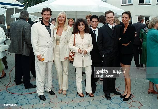 Maria Ketikidou mit Ehemann TomYamaoka Jan Fedder mitLebensgefährtin Marion Kurth TillDemtröder mit Ehefrau Julia 50 Jahre'Studio Hamburg' Party