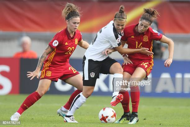 Maria Leon of Spain Nicole Billa of Austria women Vicky Losada of Spain during the UEFA WEURO 2017 quarter finale match between Austria and Spain at...