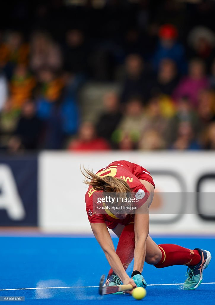 Maria Lopez of Spain in action during the match between Spain and Poland during day six of the Hockey World League Round 2 at Polideportivo Virgen del Carmen on February 12, 2017 in Valencia, Spain.
