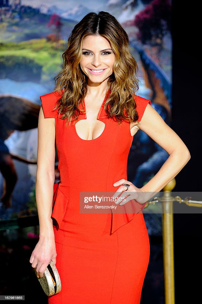 <a gi-track='captionPersonalityLinkClicked' href=/galleries/search?phrase=Maria+Menounos&family=editorial&specificpeople=203337 ng-click='$event.stopPropagation()'>Maria Menounos</a> arrives at the Los Angeles Premiere of 'Oz The Great and Powerful' at the El Capitan Theatre on February 13, 2013 in Hollywood, California.