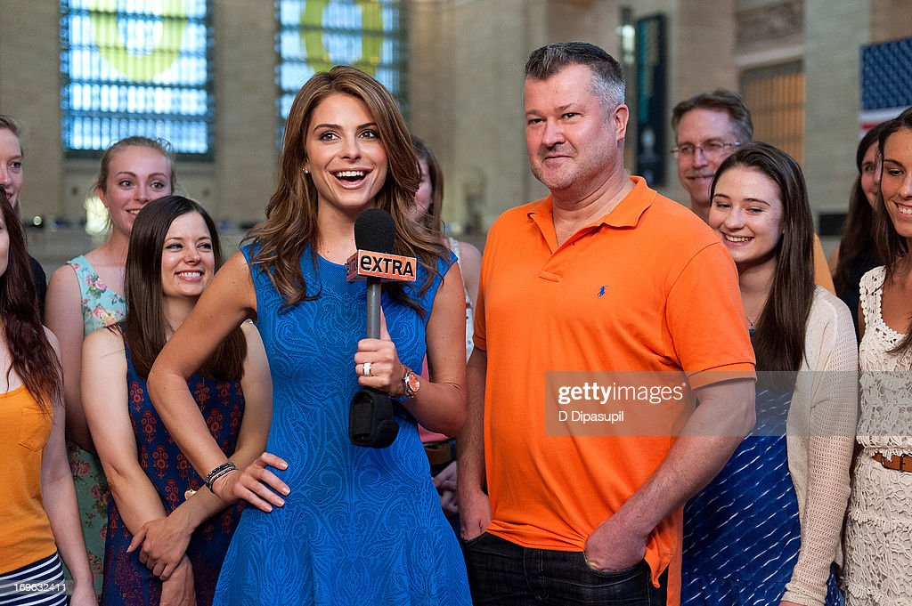 <a gi-track='captionPersonalityLinkClicked' href=/galleries/search?phrase=Maria+Menounos&family=editorial&specificpeople=203337 ng-click='$event.stopPropagation()'>Maria Menounos</a> visits 'Extra' at Michael Jordan's The Steak House N.Y.C. in Grand Central Terminal on May 29, 2013 in New York City.