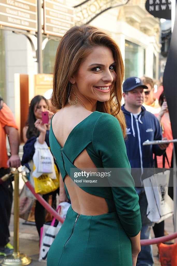 Maria Menounos visits Extra at The Grove on February 28, 2013 in Los Angeles, California.