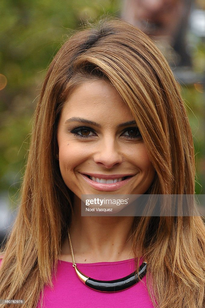 <a gi-track='captionPersonalityLinkClicked' href=/galleries/search?phrase=Maria+Menounos&family=editorial&specificpeople=203337 ng-click='$event.stopPropagation()'>Maria Menounos</a> visits Extra at The Grove on February 5, 2013 in Los Angeles, California.