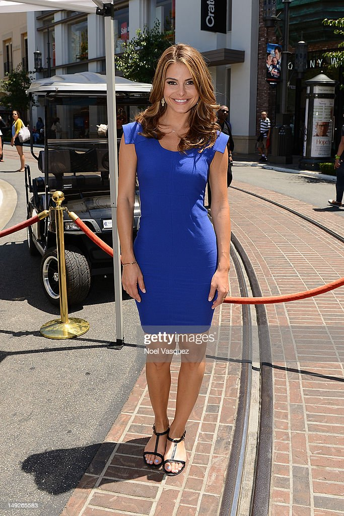 <a gi-track='captionPersonalityLinkClicked' href=/galleries/search?phrase=Maria+Menounos&family=editorial&specificpeople=203337 ng-click='$event.stopPropagation()'>Maria Menounos</a> visits 'Extra' at The Grove on July 25, 2012 in Los Angeles, California.