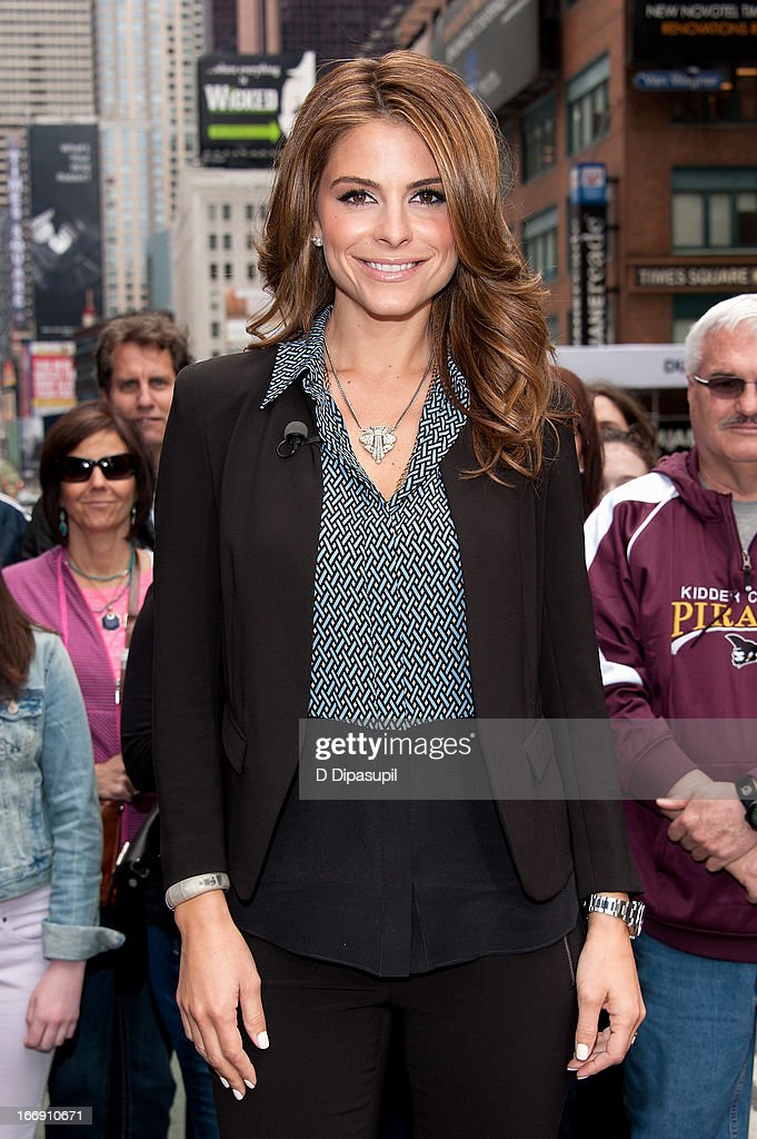 Maria Menounos visits 'Extra' in Times Square on April 18, 2013 in New York City.