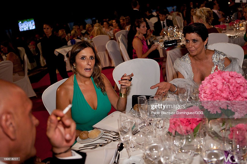 Maria Pineda (R) chats with Kiko Matamoros (L) during the Global Gift Gala held to raise benefits for Cesare Scariolo Foundation and Eva Longoria Foundation on August 19, 2012 in Marbella, Spain.