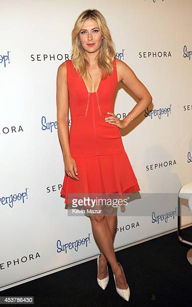 Maria Sharapova poses at Sephora 5th Avenue on August 18 2014 in New York City