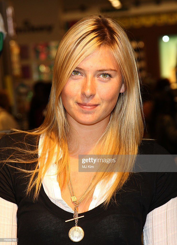 maria sharapova poses whilst shopping at topshop oxford street on july 05 2007 in