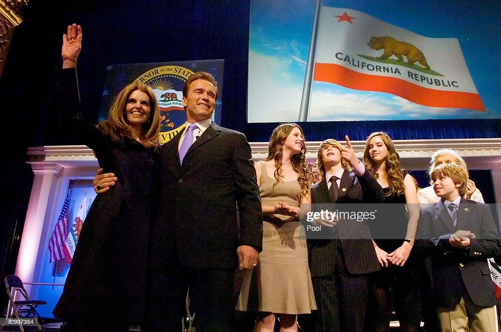 Maria Shriver, California governor Arnold Schwarzenegger, Katherine Schwarzenegger, Patrick Schwarzenegger, Christina Schwarzenegger, and Christopher Schwarzenegger greet supporters during th inauguration ceremony for Governor Schwarzenegger January 5, 2007 in Sacramento, California. Schwarzenegger will begin his second term as governor of California after a landslide victory over democratic challenger Phil Angelides in November of last year.