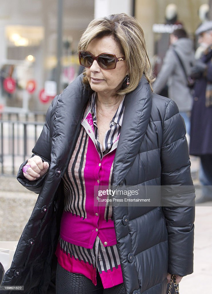 <a gi-track='captionPersonalityLinkClicked' href=/galleries/search?phrase=Maria+Teresa+Campos&family=editorial&specificpeople=6082017 ng-click='$event.stopPropagation()'>Maria Teresa Campos</a> is seen shopping on January 16, 2013 in Madrid, Spain.