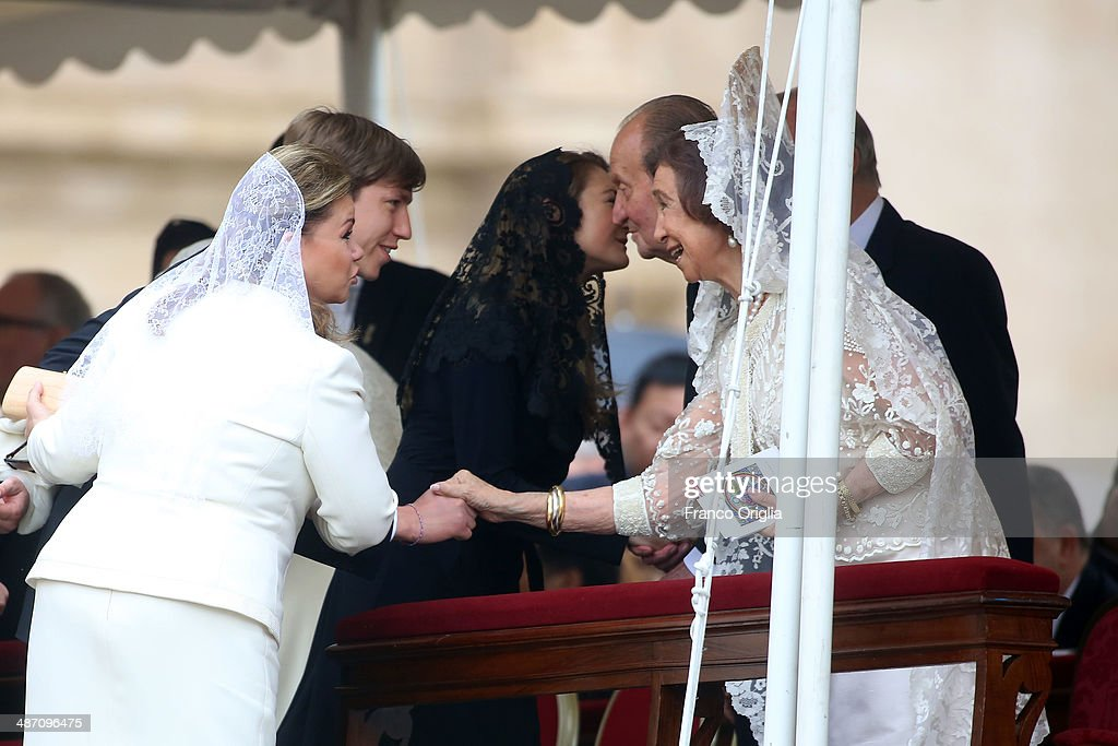 Maria Teresa of Luxembourg (L), <a gi-track='captionPersonalityLinkClicked' href=/galleries/search?phrase=Prince+Louis+of+Luxembourg&family=editorial&specificpeople=674475 ng-click='$event.stopPropagation()'>Prince Louis of Luxembourg</a>, <a gi-track='captionPersonalityLinkClicked' href=/galleries/search?phrase=Princess+Tessy+of+Luxembourg&family=editorial&specificpeople=7064107 ng-click='$event.stopPropagation()'>Princess Tessy of Luxembourg</a>, King Juan Carlos and <a gi-track='captionPersonalityLinkClicked' href=/galleries/search?phrase=Queen+Sofia+of+Spain&family=editorial&specificpeople=160333 ng-click='$event.stopPropagation()'>Queen Sofia of Spain</a> (R) attend the Canonization Mass in which John Paul II and John XXIII are to be declared saints on April 27, 2014 in Vatican City, Vatican. Dignitaries, heads of state and Royals from Europe and across the World attended the canonisations.