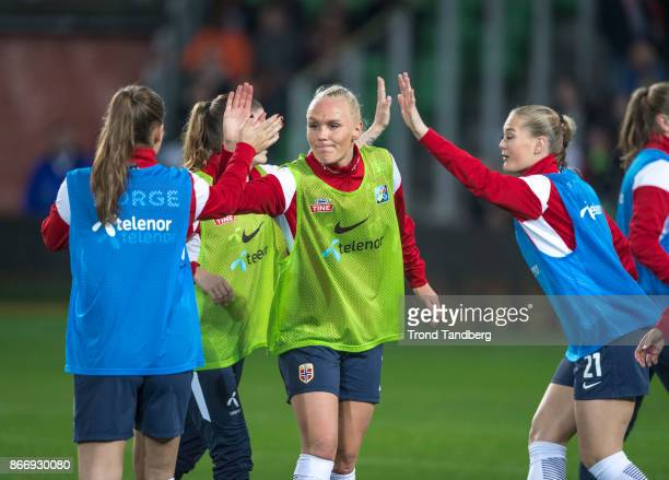 Maria Thorisdottir LisaMarie Utland of Norway during the FIFA 2018 World Cup Qualifier between Netherland and Norway at Noordlease Stadion on October...