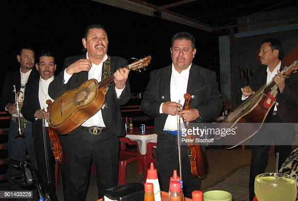 MariachiBand Puerto Penasco Sonora Mexico Mittelamerika Geige Gitarre Instrument Musikinstrument Musiker Reise BB DIG PNr 181/2011
