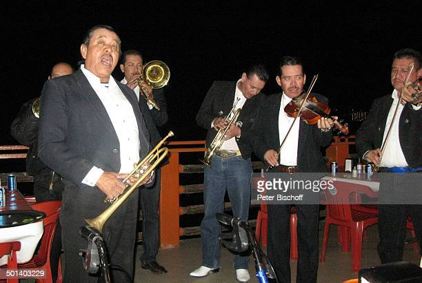 MariachiBand Puerto Penasco Sonora Mexico Mittelamerika Trompete Geige Instrument Musikinstrument Musiker Reise BB DIG PNr 181/2011