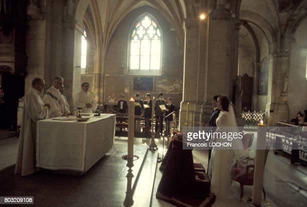 Mariage dans une église en Provence France