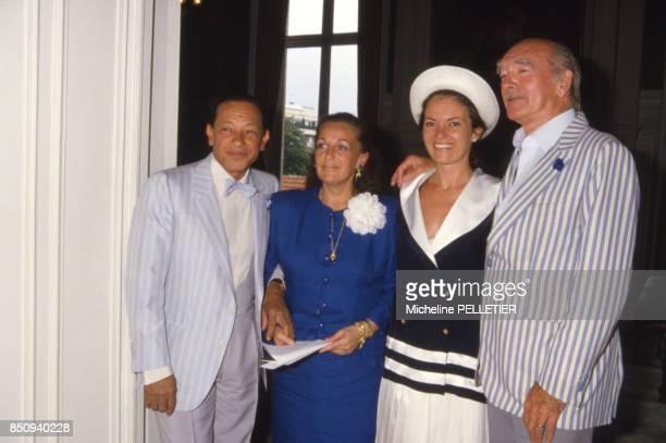 Mariage d'Henri Salvador et Sabine de Ricou avec à droite Eddie Barclay et son épouse Cathy le 23 juin 1986 France