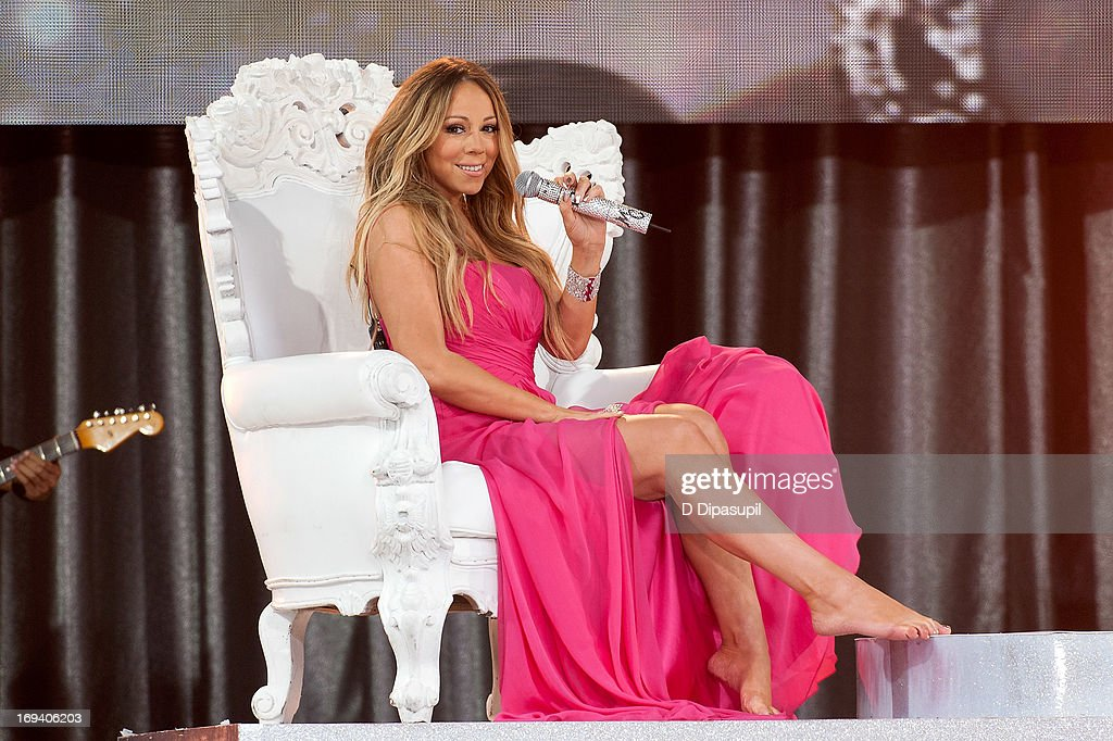 <a gi-track='captionPersonalityLinkClicked' href=/galleries/search?phrase=Mariah+Carey&family=editorial&specificpeople=171647 ng-click='$event.stopPropagation()'>Mariah Carey</a> performs on ABC's 'Good Morning America' at Rumsey Playfield on May 24, 2013 in New York City.