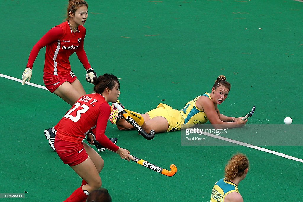 Mariah Williams of Australia passes the ball during the International Test match between the Australian Hockeyroos and Korea at Perth Hockey Stadium on April 27, 2013 in Perth, Australia.