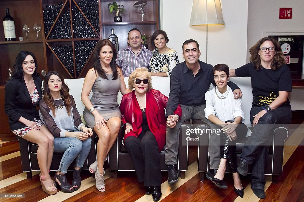 Mariana Trevino, Irene Azuela, Rebeca Jones, Silvia Pinal, Eduardo Espana, Laura Imperial, Francisco Franco, <a gi-track='captionPersonalityLinkClicked' href=/galleries/search?phrase=Cecilia+Suarez&family=editorial&specificpeople=2579161 ng-click='$event.stopPropagation()'>Cecilia Suarez</a> and Maria Rene Prudencio pose during a press conference of te Mexican film Tercera Llamada at the Maria Isabel Sheraton Hotel on September 30, 2013 in Mexico City, Mexico.