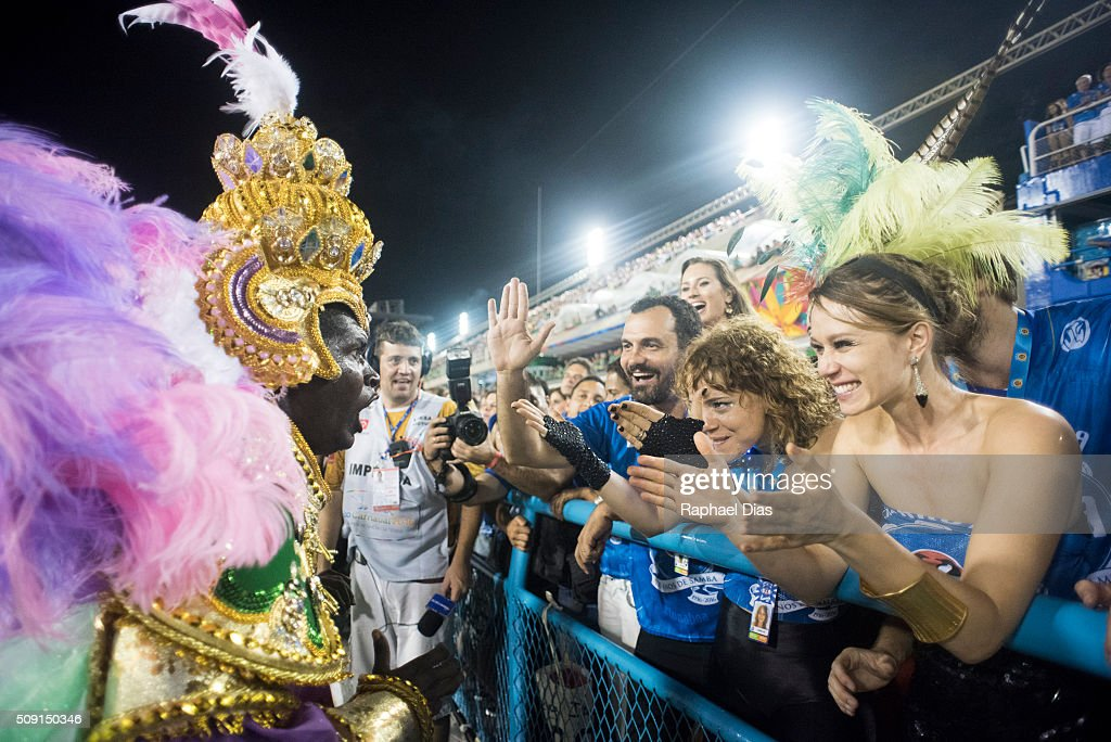 <a gi-track='captionPersonalityLinkClicked' href=/galleries/search?phrase=Mariana+Ximenes&family=editorial&specificpeople=6369086 ng-click='$event.stopPropagation()'>Mariana Ximenes</a> and Leandra Leal attends to the Rio Carnival in Sambodromo on February 8, 2016 in Rio de Janeiro, Brazil. Despite the Zika virus epidemic, thousands of tourists gathered in Rio de Janeiro for the carnival.